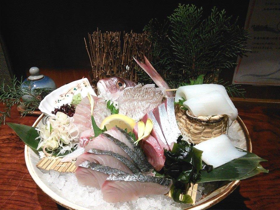 天然魚の刺身盛り合わせ