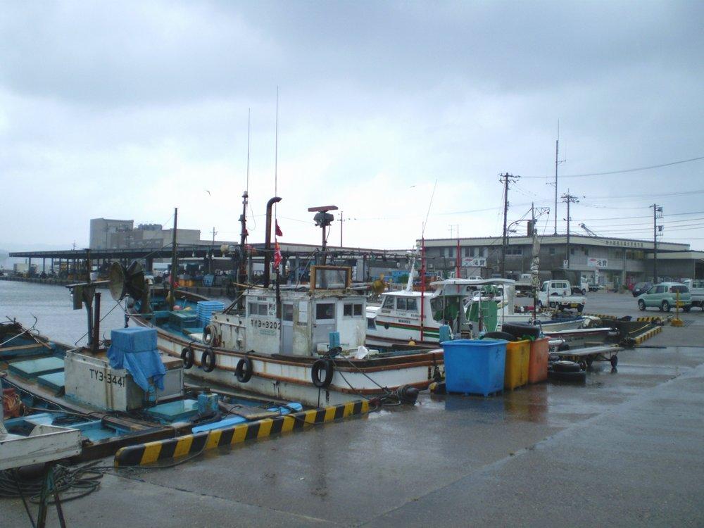 北陸の漁港と漁船
